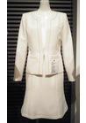 ◇上品なオールホワイトの受付用制服*