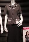 ◇モノトーンでクールなオフィス制服